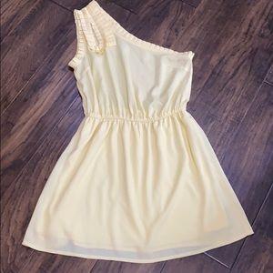 YA Los Angeles pale yellow one shoulder dress